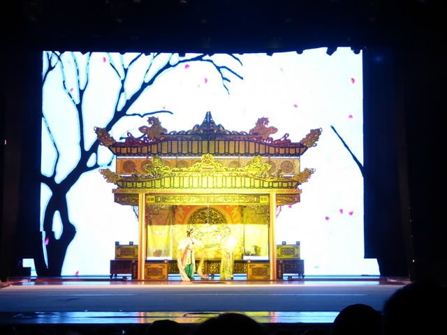 Sichuan Changing Faces Opera