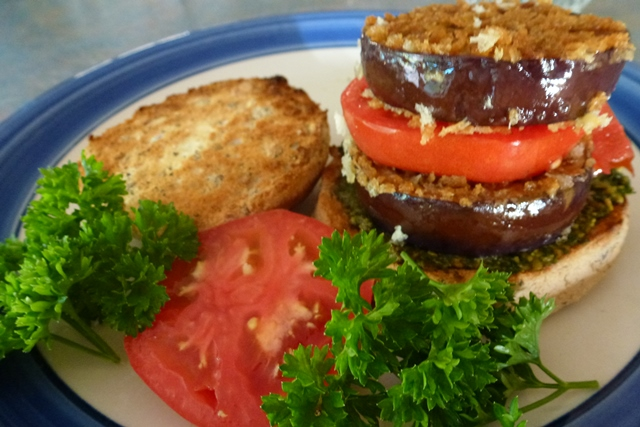 Assemble your crispy eggplant sliders