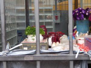 Cloudberries in market