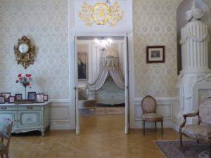 Bedroom suite, Niaswizh Castle