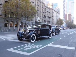Old cars outside the Windsor Hotel