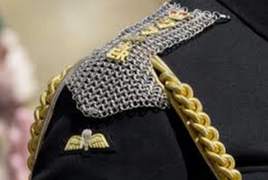 Chain maille epaulettes