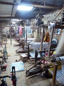 Weaving traditional Dhaka cloth